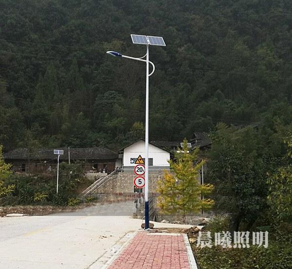 xiang镇道路8米tai阳能路灯